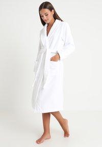 Calvin Klein Underwear - ROBE - Badekåber - white - 0