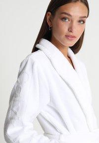 Calvin Klein Underwear - ROBE - Badekåber - white - 3