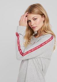 Calvin Klein Underwear - BOLD LOUNGE NIGHTSHIRT - Nattskjorte - grey heather - 3