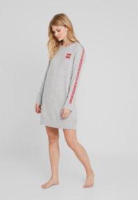 Calvin Klein Underwear - BOLD LOUNGE NIGHTSHIRT - Nattskjorte - grey heather - 1