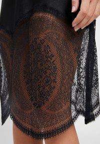 Calvin Klein Underwear - MEDALLION CHEMISE - Nightie - black - 4