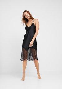 Calvin Klein Underwear - MEDALLION CHEMISE - Nightie - black - 0