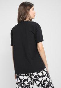 Calvin Klein Underwear - COMFORT CREW NECK - Pyjamasoverdel - black/white - 2
