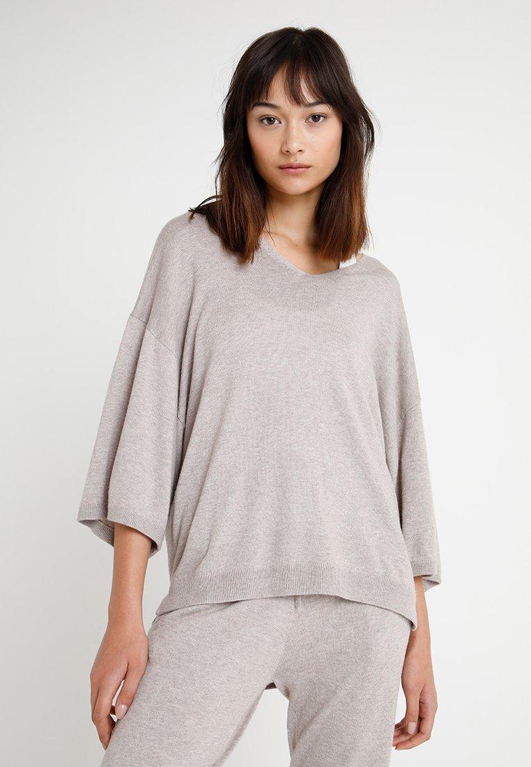 Calvin Klein Underwear - V NECK - Pyjama top - beige