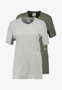 Calvin Klein Underwear - STATEMENT 1981 CREW NECK 2 PACK - Pyjamasoverdel - grey heather/army dust - 3
