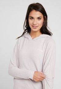 Calvin Klein Underwear - TEXTURED HOODIE - Pyjamasoverdel - gray lavendar hecci - 3