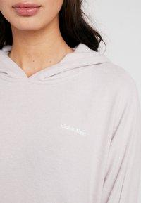 Calvin Klein Underwear - TEXTURED HOODIE - Pyjamasoverdel - gray lavendar hecci - 5