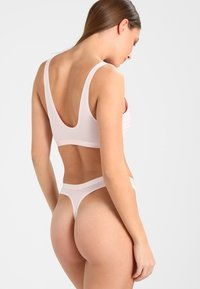 Calvin Klein Underwear - THONG - String - rose - 2