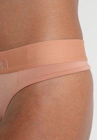 Calvin Klein Underwear - THONG - String - beige - 4