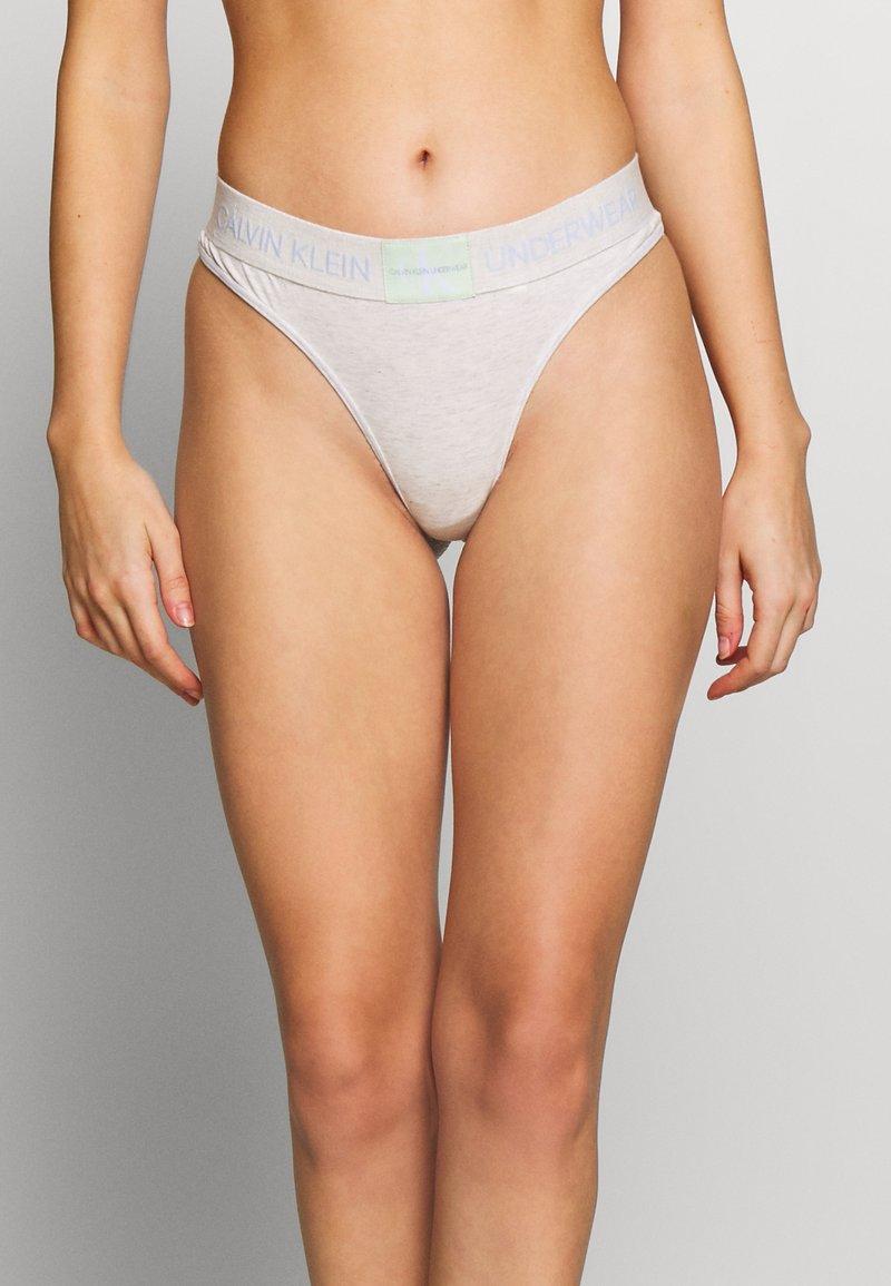 Calvin Klein Underwear - MONOGRAM THONG - String - snow heather
