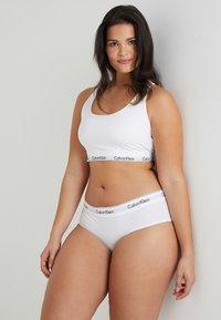 Calvin Klein Underwear - MODERN PLUS BOYSHORT - Slip - white - 1