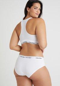 Calvin Klein Underwear - MODERN PLUS BOYSHORT - Slip - white - 2