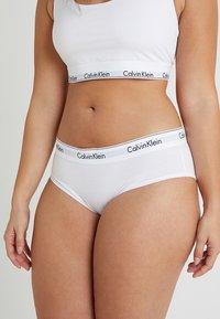 Calvin Klein Underwear - MODERN PLUS BOYSHORT - Slip - white - 0