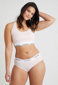 Calvin Klein Underwear - MODERN PLUS BOYSHORT - Slip - nymphs thigh - 1