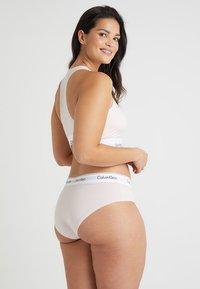 Calvin Klein Underwear - MODERN PLUS BOYSHORT - Slip - nymphs thigh - 2