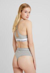 Calvin Klein Underwear - BODY HIGH WAIST THONG - Thong - grey - 2