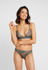 Calvin Klein Underwear - PETAL THONG - Stringit - mountain ash - 1