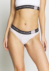 Calvin Klein Underwear - BOLD THONG - String - white - 0