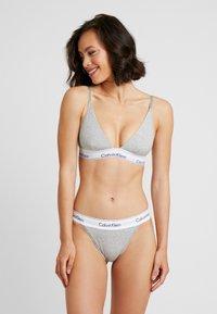 Calvin Klein Underwear - MODERN HIGH LEG TANGA - Alushousut - grey heather - 1