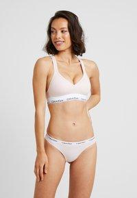 Calvin Klein Underwear - MODERN THONG - Tanga - nude - 1