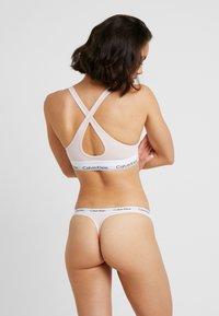 Calvin Klein Underwear - MODERN THONG - Tanga - nude - 2