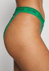Calvin Klein Underwear - BRAZILIAN - Underbukse - green/black/white - 3