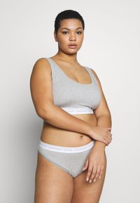 Calvin Klein Underwear - ONE PLUS THONG - Perizoma - grey heather