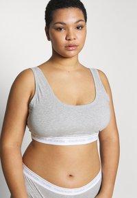 Calvin Klein Underwear - ONE PLUS THONG - Perizoma - grey heather - 3