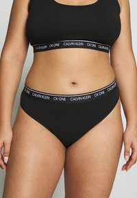 Calvin Klein Underwear - ONE PLUS THONG - Thong - black - 0