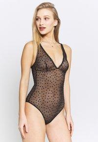 Calvin Klein Underwear - FLOCKED HEARTS BODYSUIT - Body - black - 0