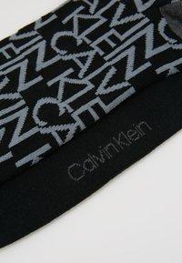 Calvin Klein Underwear - ALL OVER LOGO CREW 2 PACK - Calze - black - 2