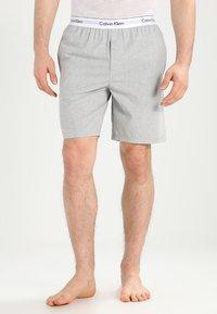 Calvin Klein Underwear - SLEEP SHORT - Pantalón de pijama - grey - 0