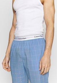 Calvin Klein Underwear - SLEEP PANT - Pantalón de pijama - blue - 4