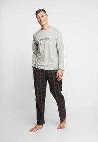 Calvin Klein Underwear - WOVEN PANT SET - Pijama - grey - 0