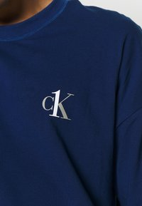 Calvin Klein Underwear - CK ONE CREW NECK - Camiseta de pijama - blue - 4