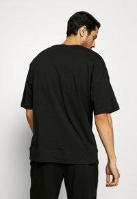 Calvin Klein Underwear - CK ONE CREW NECK - Pyjamashirt - black - 2
