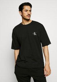 Calvin Klein Underwear - CK ONE CREW NECK - Pyjamashirt - black - 0