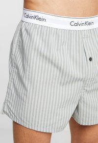 Calvin Klein Underwear - SLIM FIT 2 PACK - Bokserki - grey - 4