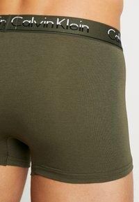 Calvin Klein Underwear - 3 PACK TRUNK  - Bokserit - olive/mottled light grey/dark blue - 2