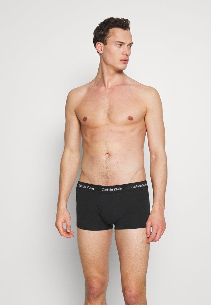 Calvin Klein Underwear - LOW RISE TRUNK 5 PACK - Boxer - black
