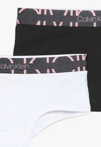 Calvin Klein Underwear - SHORTY 2 PACK  - Boxerky - white - 4
