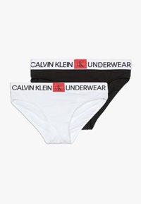 Calvin Klein Underwear - 2 PACK - Kalhotky/slipy - white/black - 0