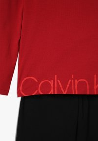 Calvin Klein Underwear - Pyžamová sada - red - 4
