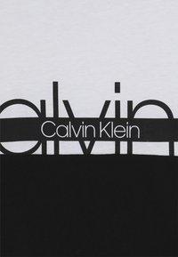 Calvin Klein Underwear - TEE - Triko spotiskem - white - 3
