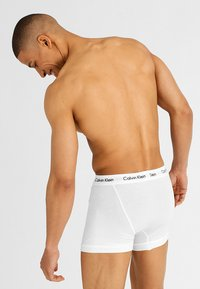 Calvin Klein Underwear - TRUNK 3 PACK - Onderbroeken - black/white/grey