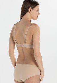 Calvin Klein Underwear - PERFECTLY FIT - Olkaimettomat/muut rintaliivit - sanddune - 4