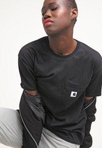 Carhartt WIP - CARRIE POCKET - Camiseta básica - black - 3