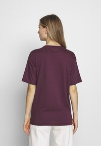 Carhartt WIP - CHASY - T-shirt basique - shiraz - 2