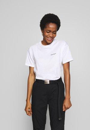 SCRIPT EMBROIDERY - T-Shirt basic - white