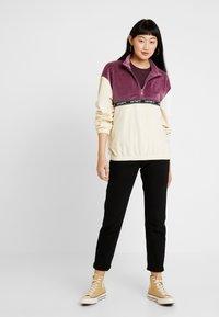 Carhartt WIP - TILA - Sweatshirts - flour/dusty fuchsia - 1